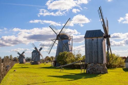 Traditionelle Holzwindmühlen von Saaremaa