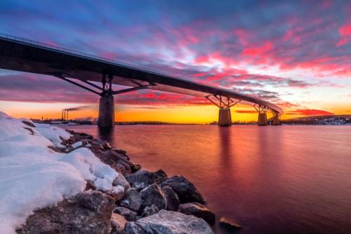 Sundsvall Brücke bei Sonnenaufgang